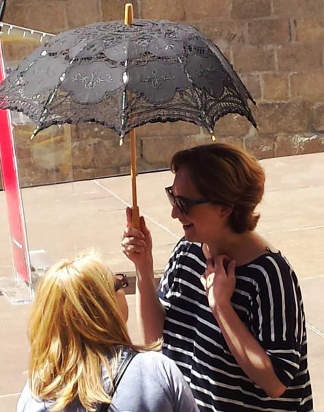 ada amb ombrel·la